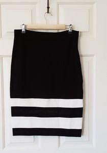 Amanda & Chelsea Black & White Striped Skirt - 10